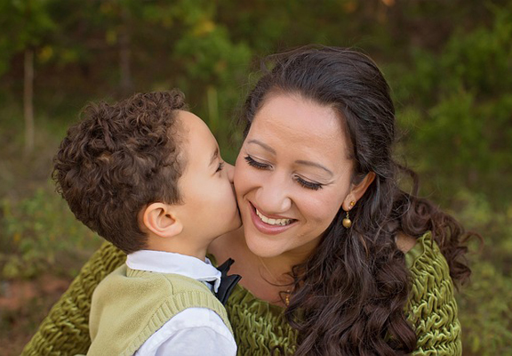 mother-and-son-2197190_640