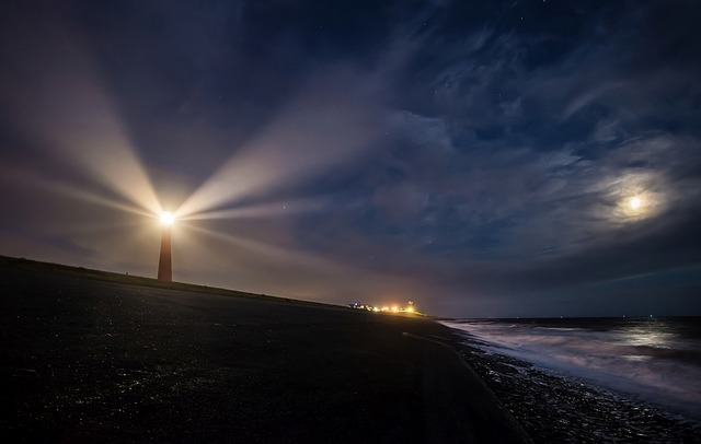 lighthouse-2611199_640